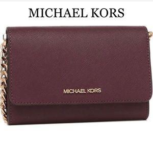 MICHAEL KORS MEDIUM MULTIFUNCTION PHONE XBODY MERL